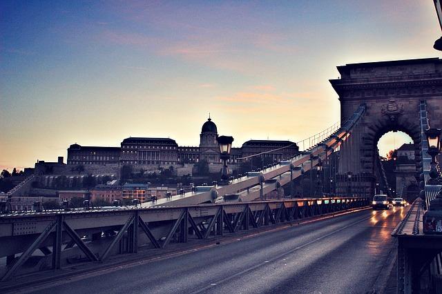 budapest-1272588_640