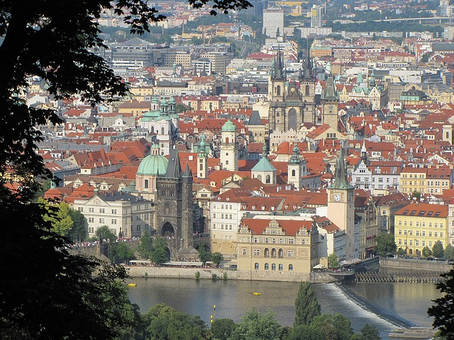 prague-czech-republic-1189114_640