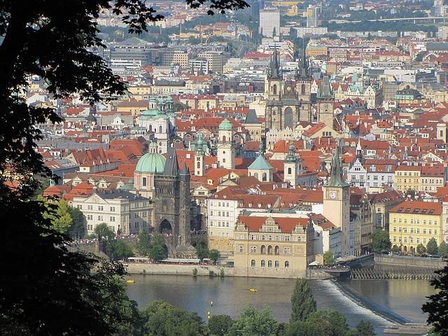 prague-czech-republic-1189114_640